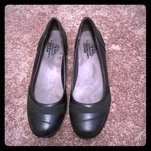 Life Stride Flats Size 10 Gray with Memory Foam